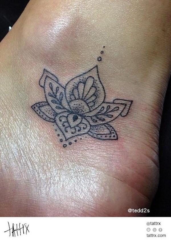 Tiny Lotus Flower Tobillo tobillo.
