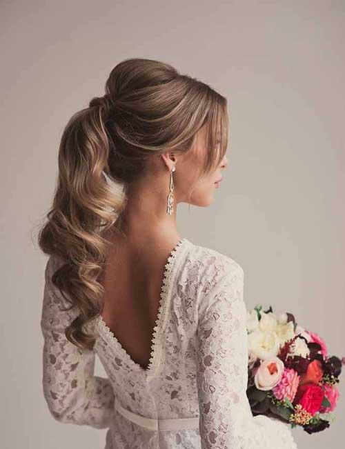 Peinados de cola de caballo de la boda updo
