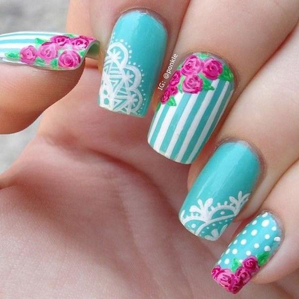 rosa vintage y arte de uñas de encaje.