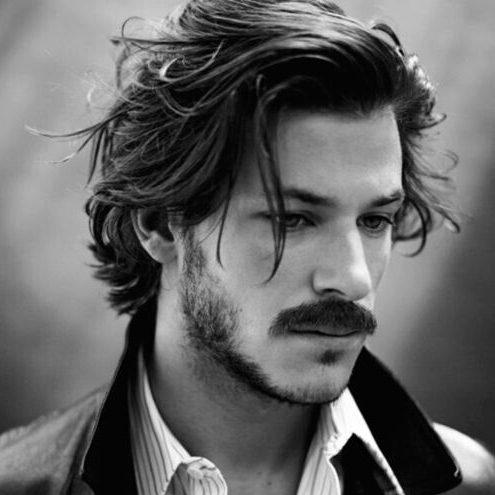 peinados sucios de longitud media para hombres