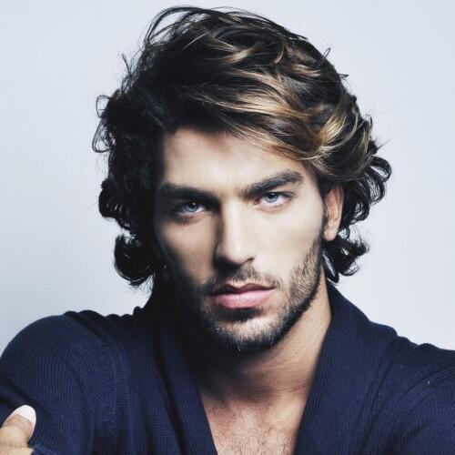Peinados frescos para hombres con cabello grueso