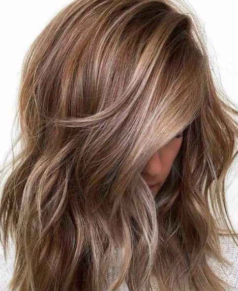 Canela y rubio cabello de otoño