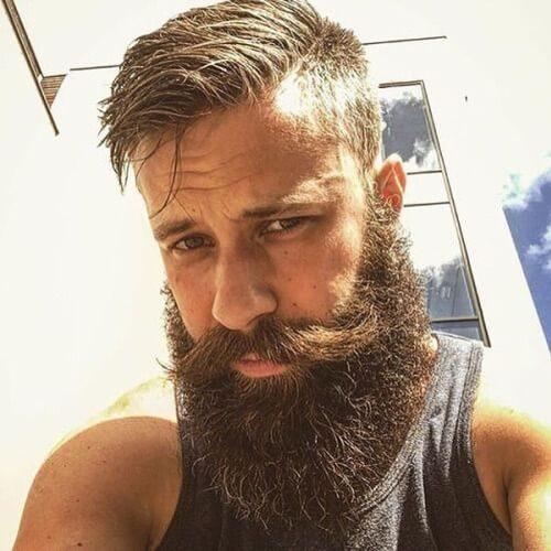 Peinados con barbas muy largas