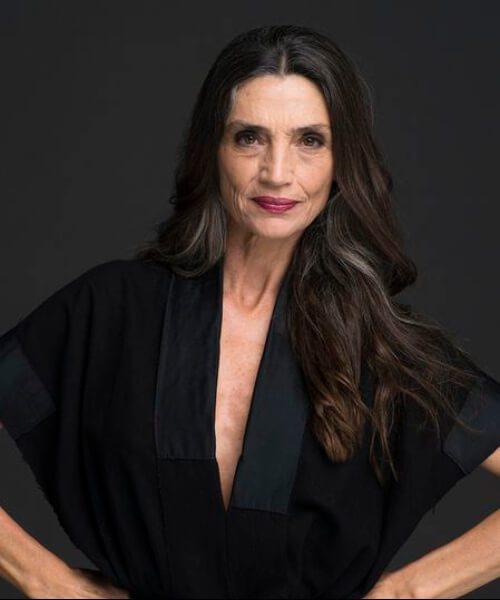 peinados largos para mujeres mayores de 50 años
