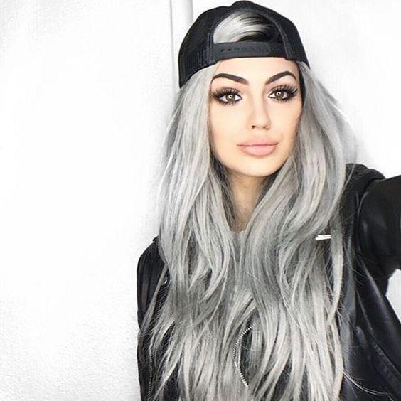 gorra de béisbol con apariencia de calle de pelo gris