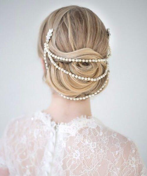 Moño envuelto en peinados de novia Pearl Headpiece para cabello largo
