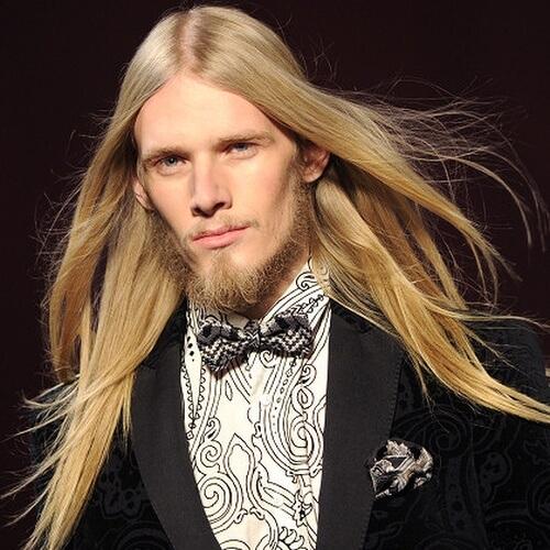 Peinados súper largos para cabello liso