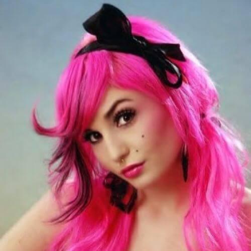 peinado de diadema para chicas emo