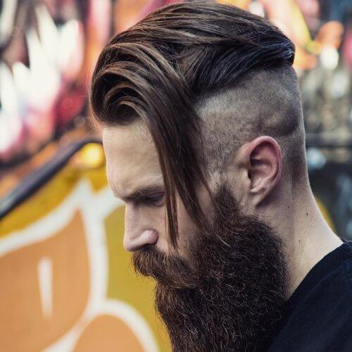 Peinados robustos para hombres con líneas rectas