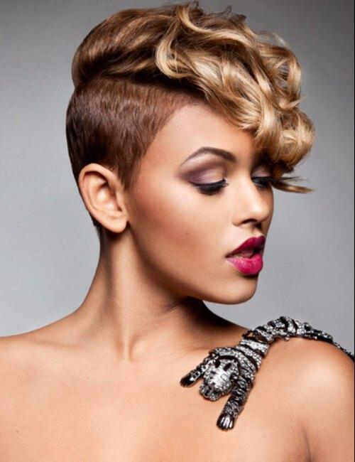 peinados cortos afeitados lados para mujeres negras