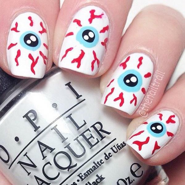 Ojos inyectados en sangre Diseño para Halloween.  Ideas de arte de uñas de Halloween.