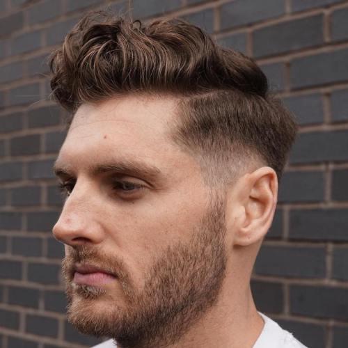peinados de pomp sueltos para hombres