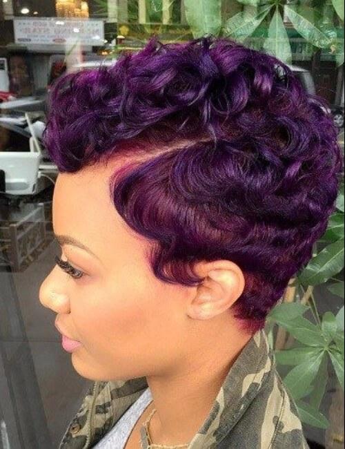 peinados cortos morados para mujeres negras