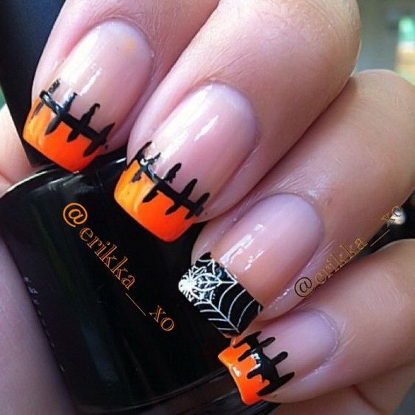Simple Halloween Tipped Nail Design. Ideas de arte de uñas de Halloween.