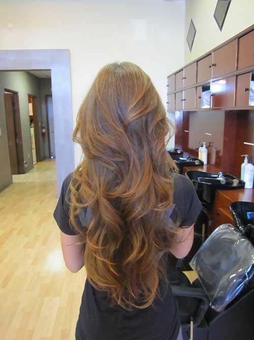 Hermosas capas de peinados ondulados largos en V
