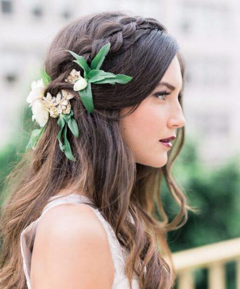 Borgoña + Berry Otoño Peinados de boda para el pelo largo