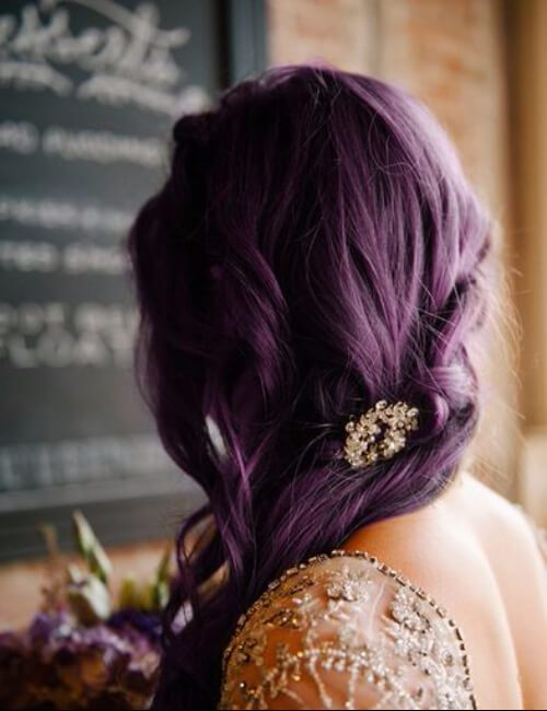 sombra de berenjena de pelo morado con adornos