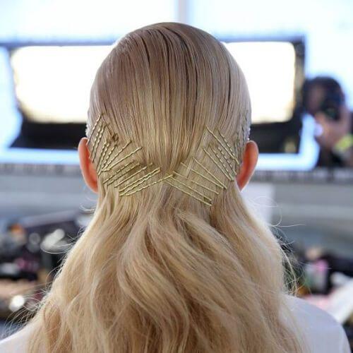 Multi-pin tira hacia atrás resbaladizo peinados rubios atrás