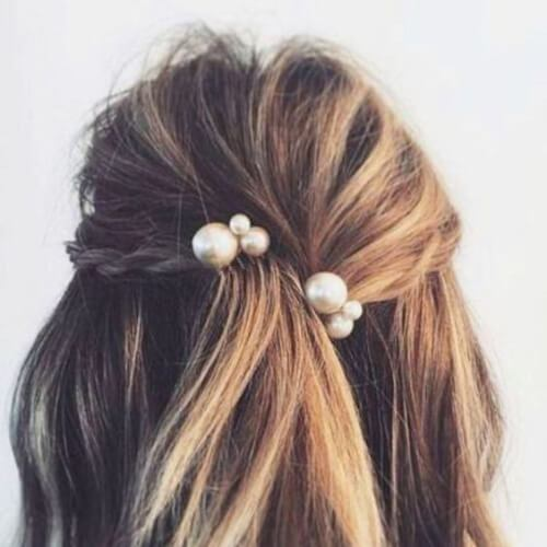 perlas peinados de graduación para pelo corto