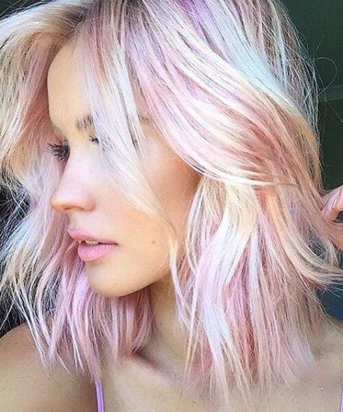 peinados de color rosa claro a la altura del hombro