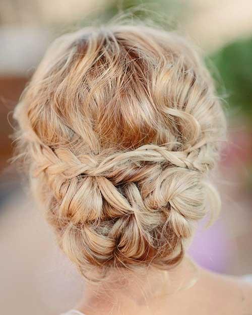 Linda trenzada boda cabello rubio