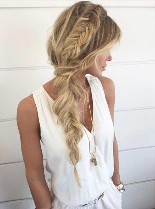 Peinados de trenza lateral simple para cabello largo