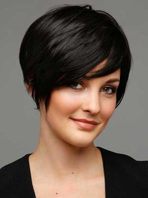 Peinados para el pelo oscuro corto Pixie