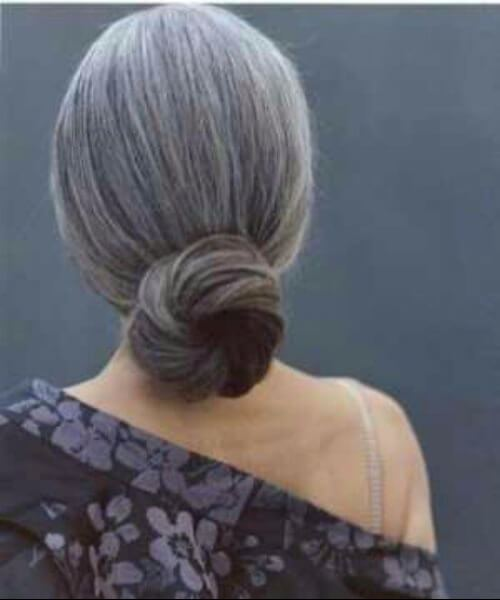 peinados para mujeres de más de 50 cabellos grises