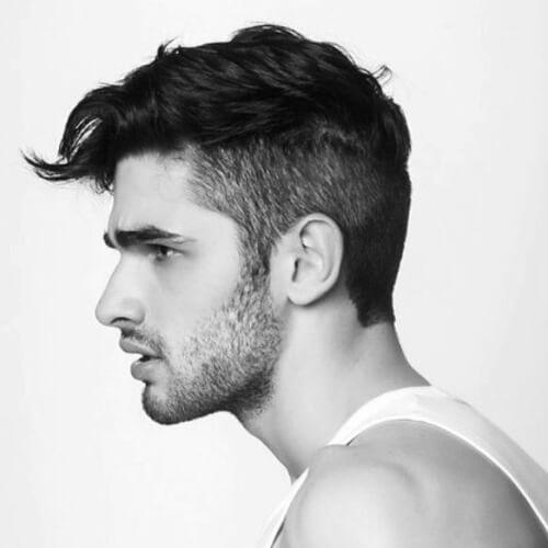 Cortes de pelo corto asimétrico para los hombres