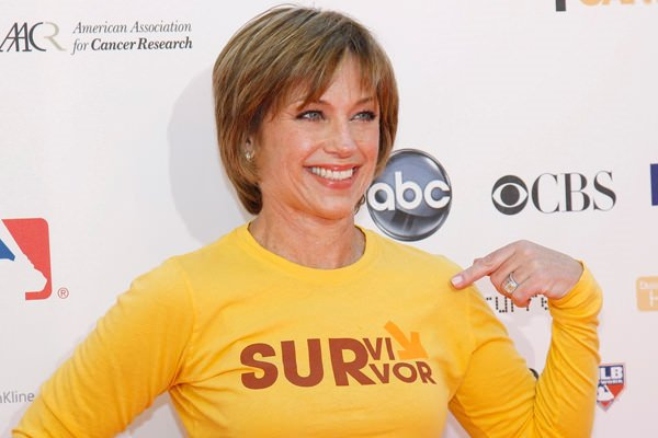 10280816-dorothy-hamill-haircut