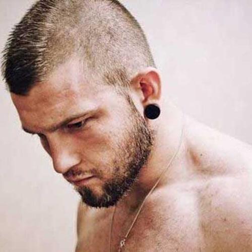Peinados cortos Mohawk para hombres