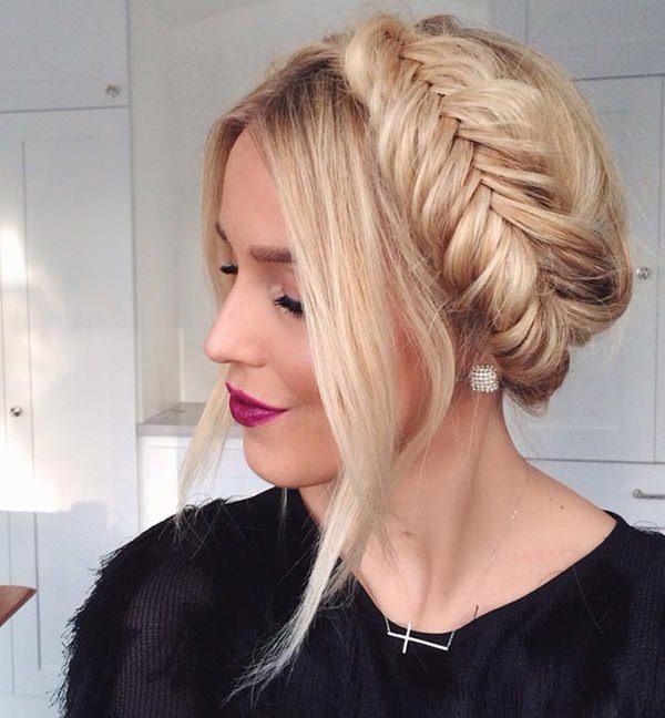17easy-updos-for-long-hair-100416