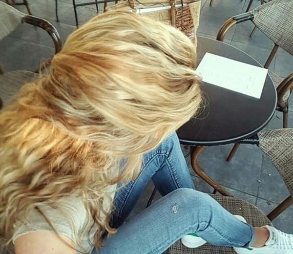 56250816-fresa-rubia-cabello