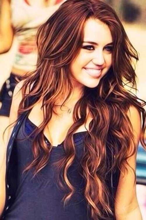 Peinados ondulados de Miley Cyrus para el pelo largo
