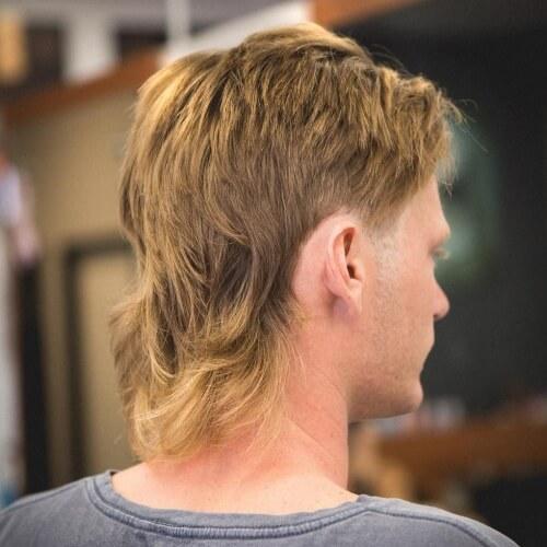 Corte de pelo de salmonete en capas