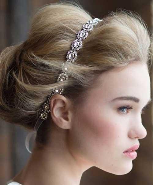 Lindo moño rubio con diadema