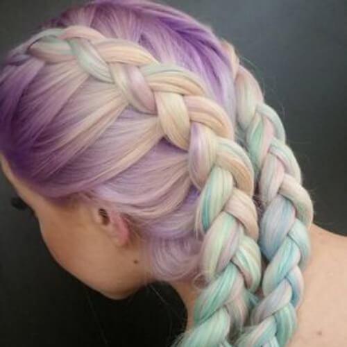 peinados trenzados en colores pastel para el cabello largo