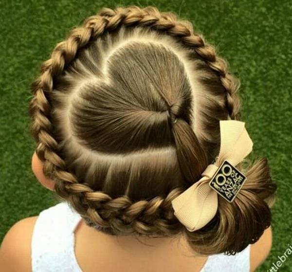 24150916-little-girl-hairstyles