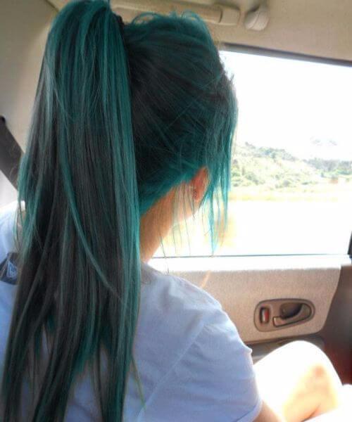 color de pelo verde azulado cola de caballo