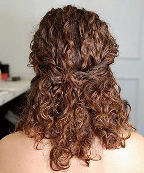 Estilos de cabello rizado retirado