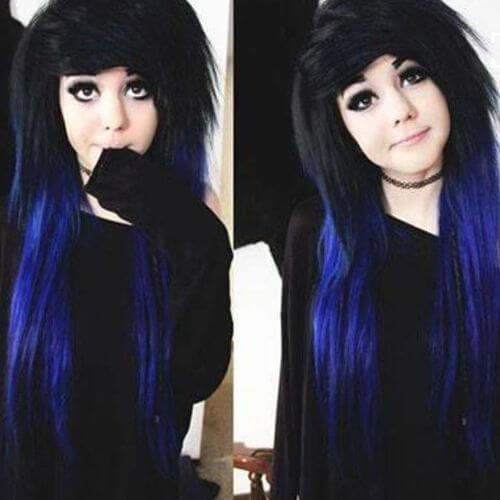 largo peinado negro y azul