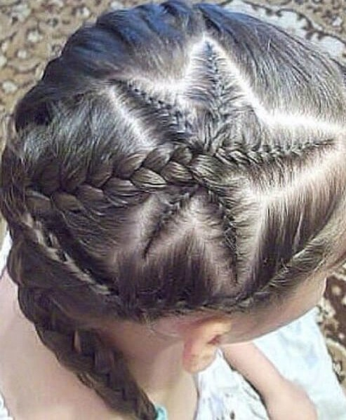 estrella de mar trenzas niña pequeños peinados