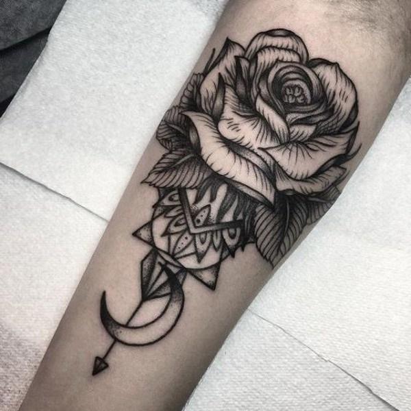 Tatuaje de Rose blanco y negro.