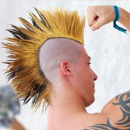 Peinados Mohawk avivados