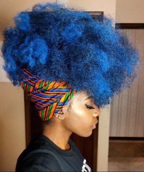 peinados afro afro chica azul