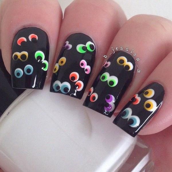 Scary Eyes Halloween Nail.  Ideas de arte de uñas de Halloween.