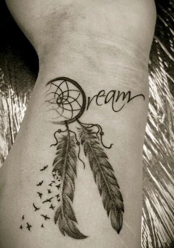 Tatuaje muñeca atrapasueños.