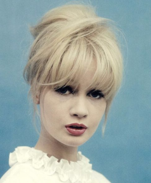Peinados de los años 60 con flequillo