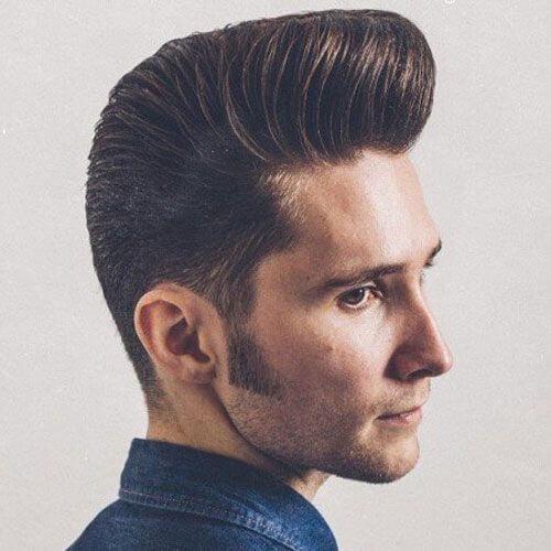 Corte de pelo clásico Pompadour