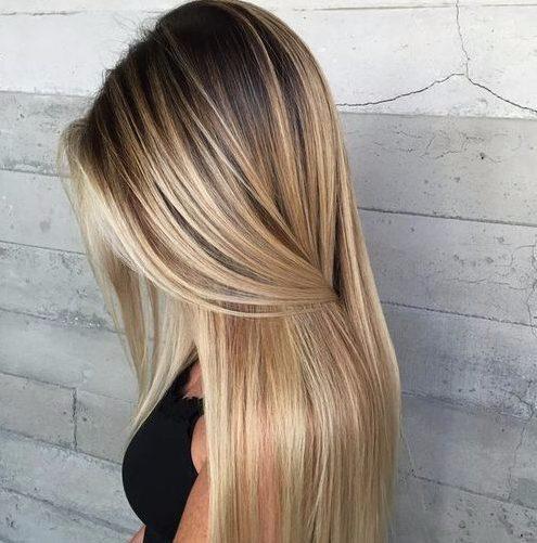 luz ceniza rubia balayage color de pelo